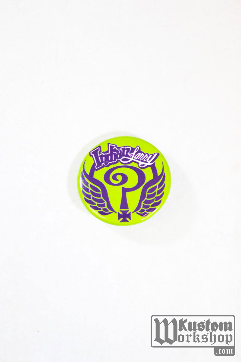 Badge Indian Larry Question Cross vert